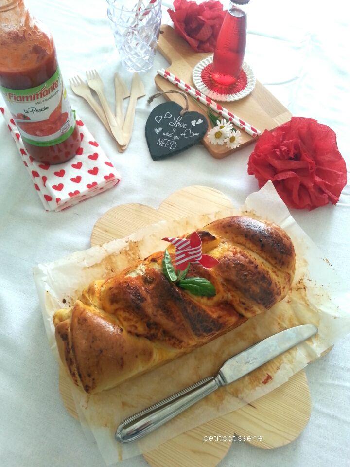 Treccia Di Pan Brioche Sofficissima Con Passata di Pomodoro La Fiammante by Petit Patisserie Blog
