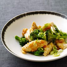 "Garlicky Chicken and Broccoli - A Weight Watchers meal that had the teen saying, ""this is one of my favorite meals, we should have it more often!"""
