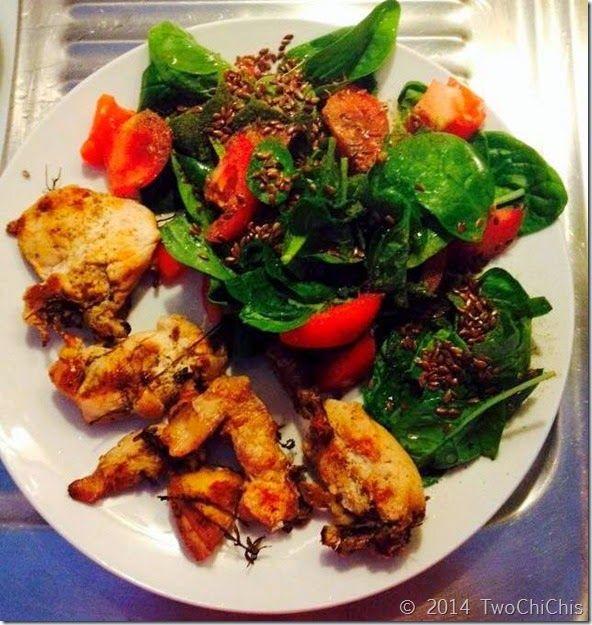 Στήθος κοτόπουλο λεμονάτο με άγριο ρίγανη και σαλάτα σπανάκι πασπαλισμένο με λιναρόσπορο #chicken   #chickenbreasts   #spinach   #tomato   #oliveoil   #linseed   #meal   #lunch