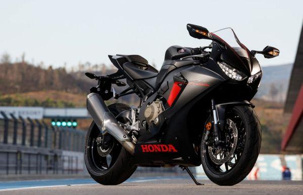 Honda CBR 1000 RR Motor Tercepat di Dunia