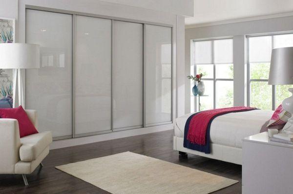 dressing chambre tapis armoires blanc de banc de chambre portes pinterest. Black Bedroom Furniture Sets. Home Design Ideas