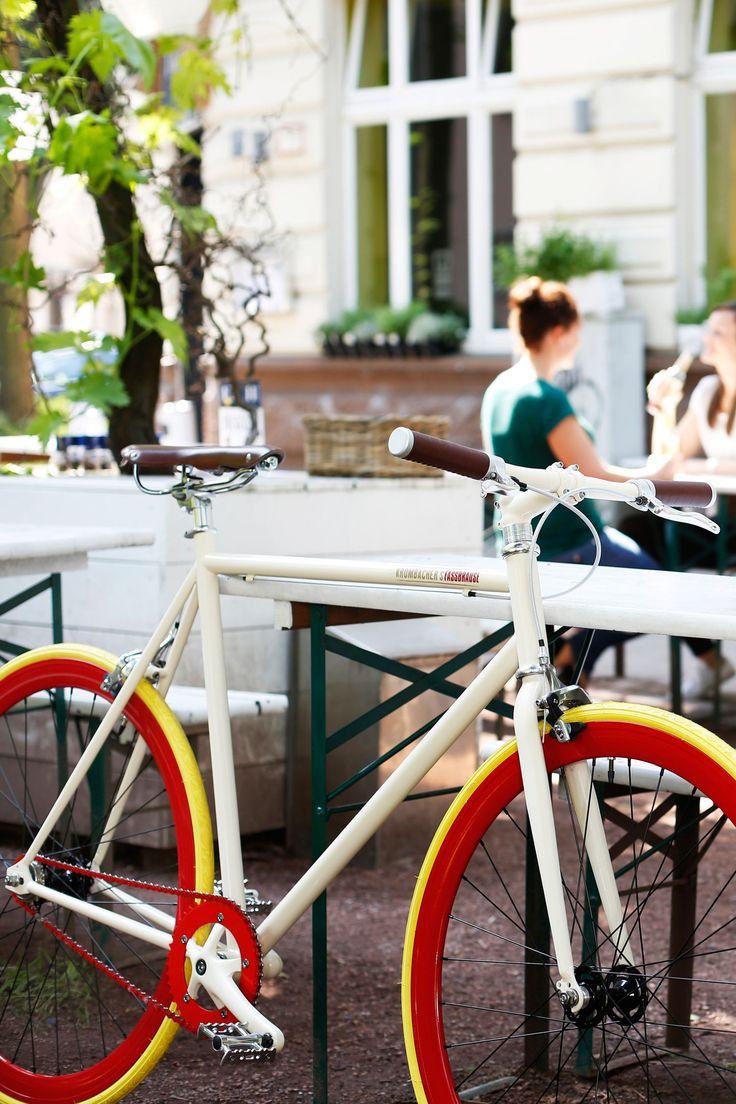 Gemeinsam mit Krombacher's Fassbrause verlosen wir ein Single-Speed-Fahrrad sowie ein erfrischendes Fassbrause-Probierpaket im Wert von 1.000 Euro.