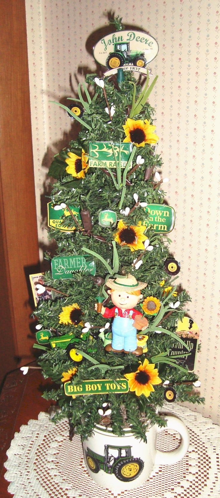 36 best Christmas Tractor on the Farm images on Pinterest ...