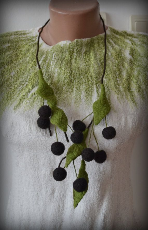 Felt necklace Cherry necklace cherry felt necklace by Gariana