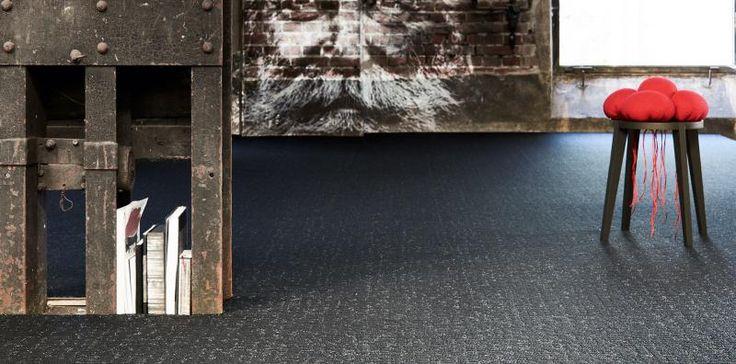 Moderní zátěžový koberec v odstínech šedé barvy, podlahy BOCA. / Modern contract carpet in gray shades.