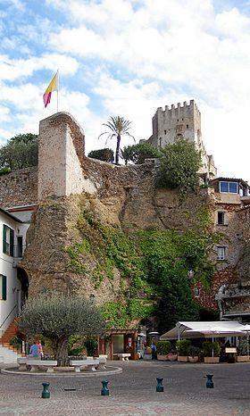 Château de Roquebrune-Cap-Martin #www.frenchriviera.com