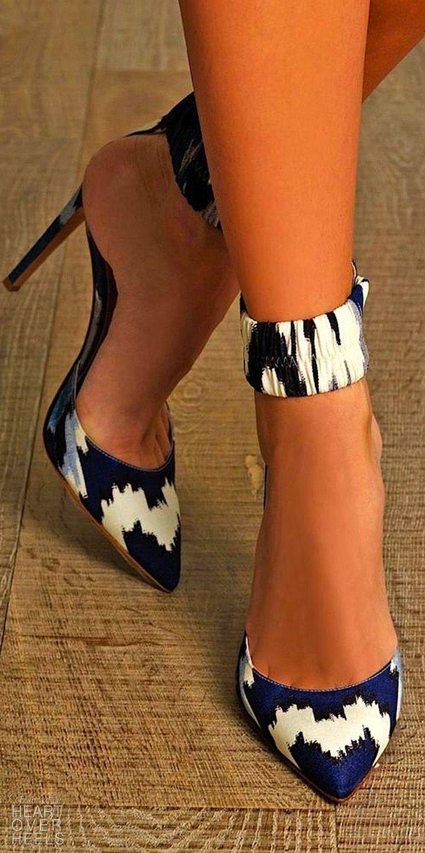 Tendance Chaussures 101 Gorgeous Shoes From Pinterest | Heart Over Heels Blog Tendance & idée Chaussures Femme 2016/2017 Description 101 Gorgeous Shoes From Pinterest - Heart Over Heels #fashion #inspiration
