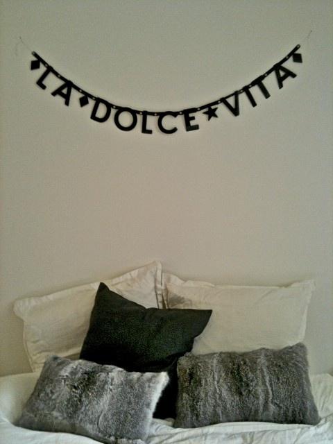 Dolce vita #bedroom #bunting