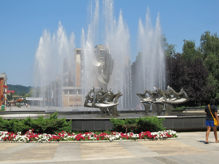 A fountain in a plaza in Resita, Romania