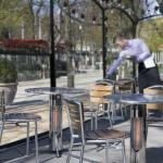 Vireoo by Mensa Heating: integrated table and outdoor heater