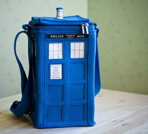 bag handmade of thick felt (100% wool) in the shape of TARDIS. #dr_who #doctor_who