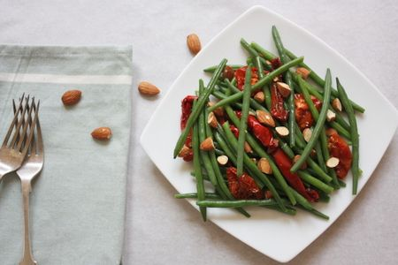 Green Bean (string beans or french beans), Roasted Vegetables and Almond Salad. Quick easy salad for summer