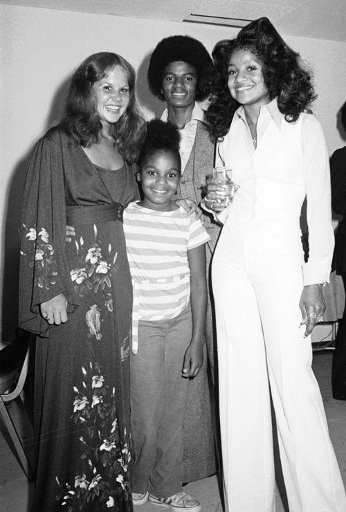 Linda Blair, Janet Jackson, Michael Jackson and La Toya Jackson, 1975  Photo: Michael Ochs Archives/Getty