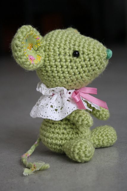 Little spring mouse. Crochet pattern might turn up in her Etsy shop? Worth checking here: http://www.etsy.com/shop/lilleliis #amigurumi #crochet
