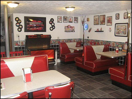 bedroom ideas   theme decor   retro decorating style   diner   party  decorations   1950 bedding   retro diner furniture   Elvis Presley   booth  dinette. 38 best STYLE ANNEES 50 images on Pinterest   Bedroom ideas  50s