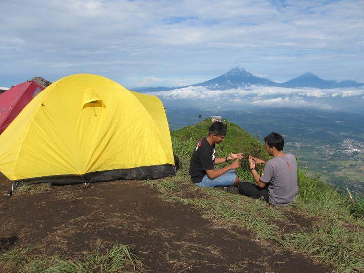 Puncak gunung Andong, Magelang, Jawa Tengah #mountain #indonesia