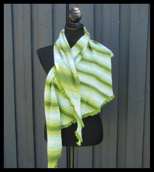 www.akitadesign.dk udviklet mine egne design´s. Her i et udsøgt udvalg af lækre sager i kvalitets garner, og jeg udvikler løbene mine ide´er af skønne modeller, nyd rundturen her med mine sjaler