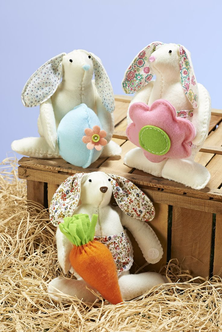Everyone loves a handmade gift at Easter, they're much more healthy and unique than the usual chocolate egg.  #eastergifts #eastermakes #craftkits