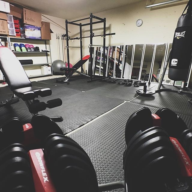 Home Gym Heavy Bag: 17 Best Images About Inspiring Home Gyms On Pinterest