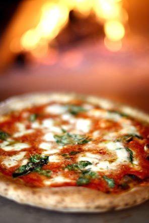 Tutta Bella Neapolitan Pizzeria: Tastes like Italy. Ask for the Quattro Formaggio - no longer listed on the menu, but it should be!