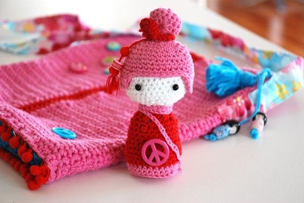 Crochet kokeshi amigurumi and bag