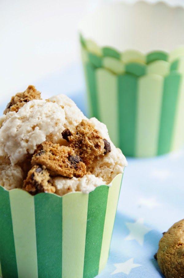 Eis selbermachen: Mein Eis-Rezept mit Kakao und Cookies