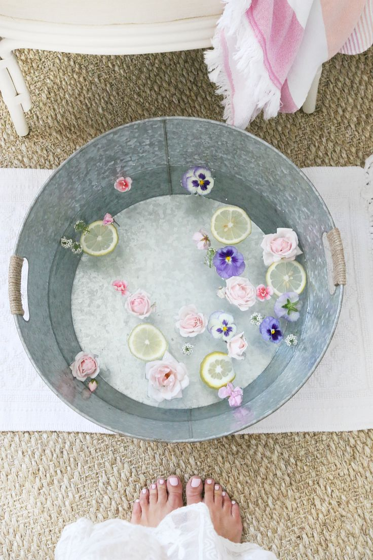 Flower Bath | Home Pedicure | http://monikahibbs.com