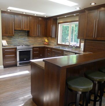 Traditional Kitchen Peninsula +raised Ranch Kitchen Design Ideas, Pictures, Remodel and Decor