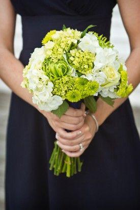 navy green baltimore preppy wedding6 275x412 Lauren + Ryans Preppy Baltimore Wedding (Part 1)