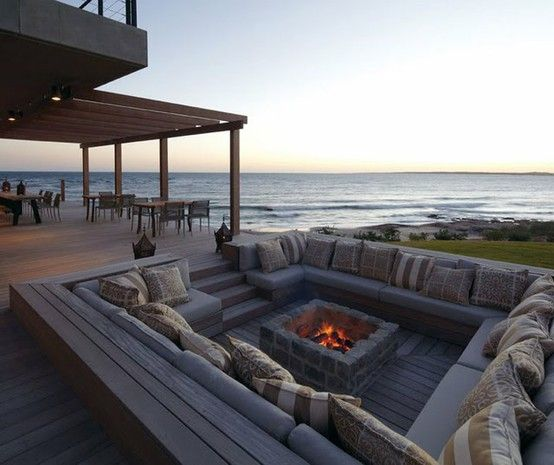 Sunken outdoor seating and fireplace   #outdoor #fireplace
