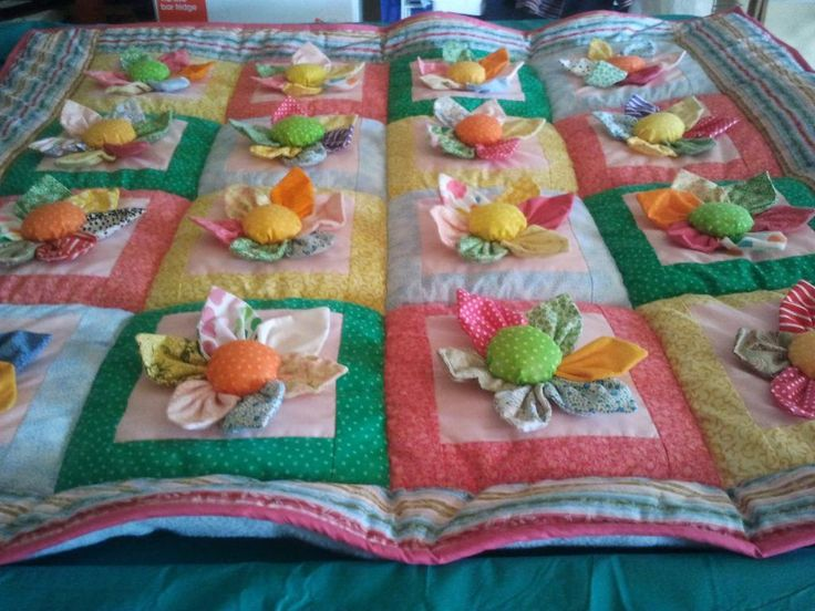 quilts with 3-d flowers - Google Search                                                                                                                                                      More
