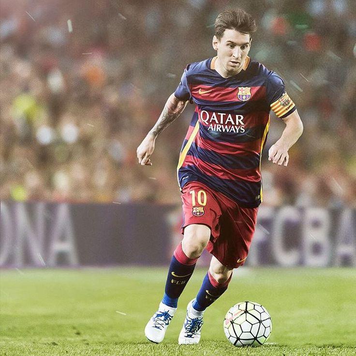 "FC Barcelona on Instagram: ""Leo Messi is back at Camp Nou Leo Messi torna al Camp Nou Leo Messi vuelve al Camp Nou #matchday #FCBvRoma FC Barcelona v AS Roma Tickets: fcbarcelona.com #fcblive #campnou #iwasthere @fcbarcelona @leomessi"""