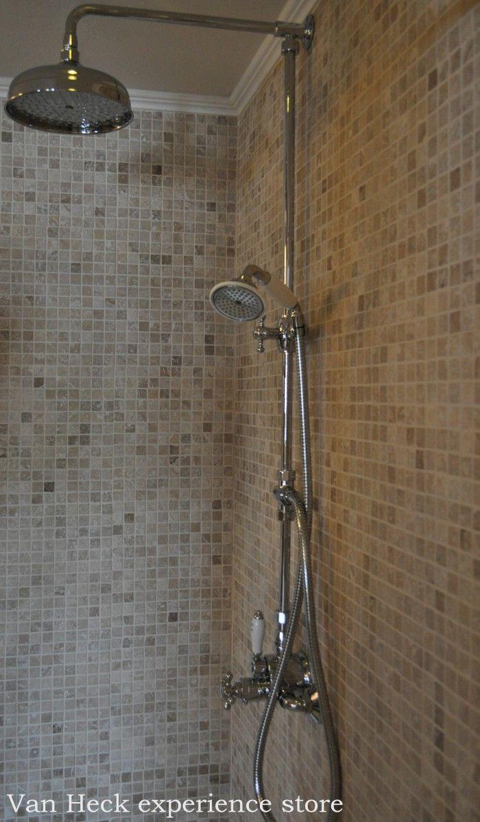 Luxe thermostaat douche met handdouche en 20 cm regendouche, mooi met mozaïek natuursteen wandtegels