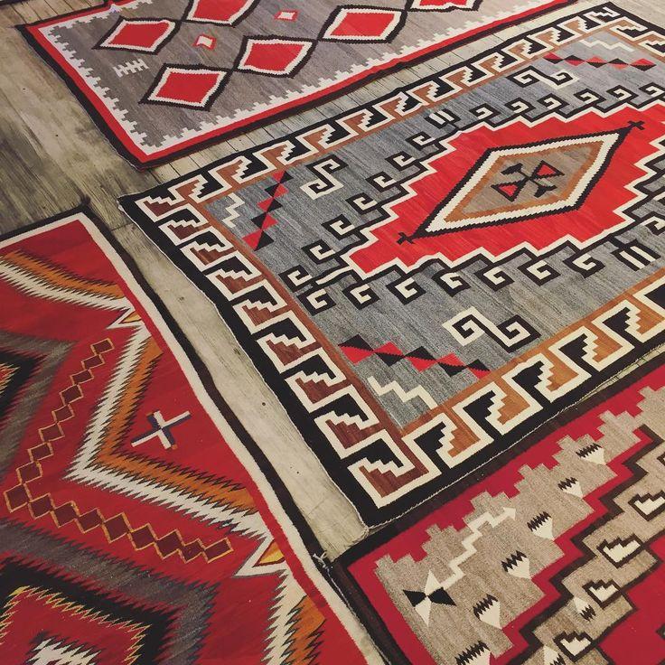 Rug shopping for red........ #Navajo #handwoven #simplysantafe #fallcolors #purenm