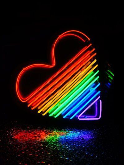 LOVENEON - RAINBOW HEART NEON WALL LAMP - LUISAVIAROMA - LUXURY SHOPPING WORLDWIDE SHIPPING - FLORENCE