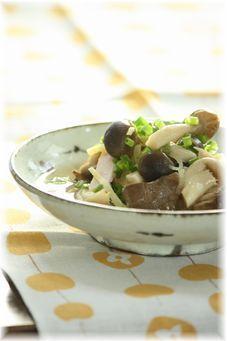 きのこのベーコン生姜の煮びたし