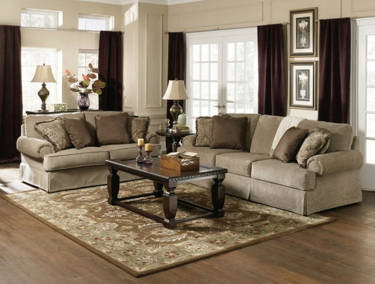 Living RoomPretty Rug Also Black Coffee Table Feat Slipcover Sofa With Cushions On Traditional Room Design Decorating Ideas