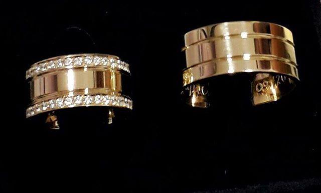 PAR DE ALIANÇAS 💍 Aliança de moeda / feminina cravejada com pedras!🚗 FRETE GRÁTIS ✏️ Gravação de nomes de brinde!- Acompanha FLANELA, CAIXINHA DE ALIANÇAS, PRODUTO DE LIMPEZA 💕- Valor na direct ou WhatsApp (41) 99203-8552#alianca #aliancas #voucasar #compromiso #casal #casamento #teamo #dourada #aliancadourada #casacomigo #noiva #noivas #noivei #euquero