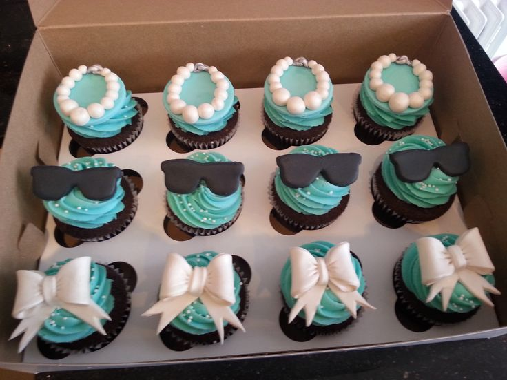 Tiffany Cupcakes | Breakfast at Tiffany's Cupcakes