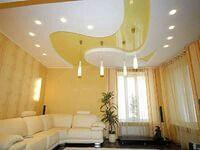 Натяжной потолок многоуровневый, белый и желтый глянец.