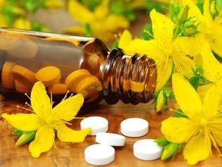 VAINCRE LA DÉPRESSION AU NATUREL AVEC LE MILLEPERTUIS  http://www.topsante.com/vivre-bio/medecines-douces/Vaincre-la-depression-au-naturel-avec-le-millepertuis