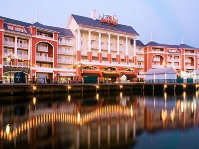 Disney Boardwalk Hotel Orlando Lots Of Activities And Restaurants Little Noisy At Night Been There Done That Pinterest Resorts