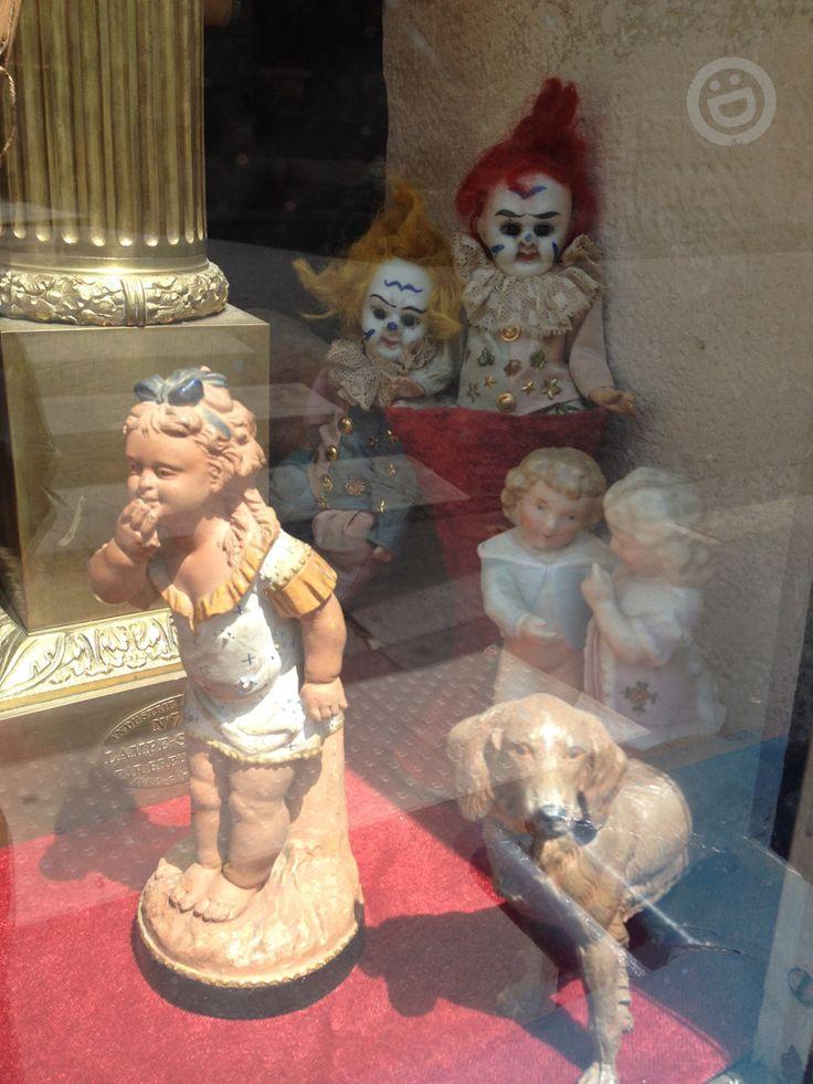 vintage evil clown dolls, Paris