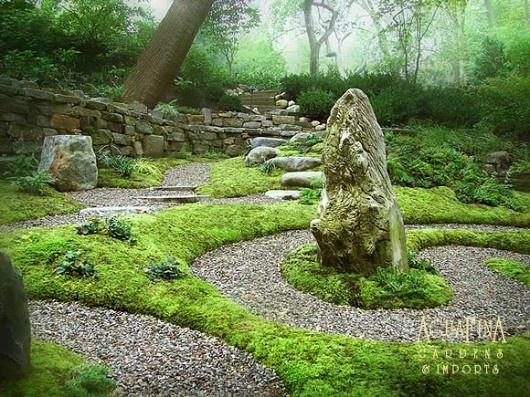 beautiful view in labyrinth garden 530x397 Spiritual Labyrinth Garden ...