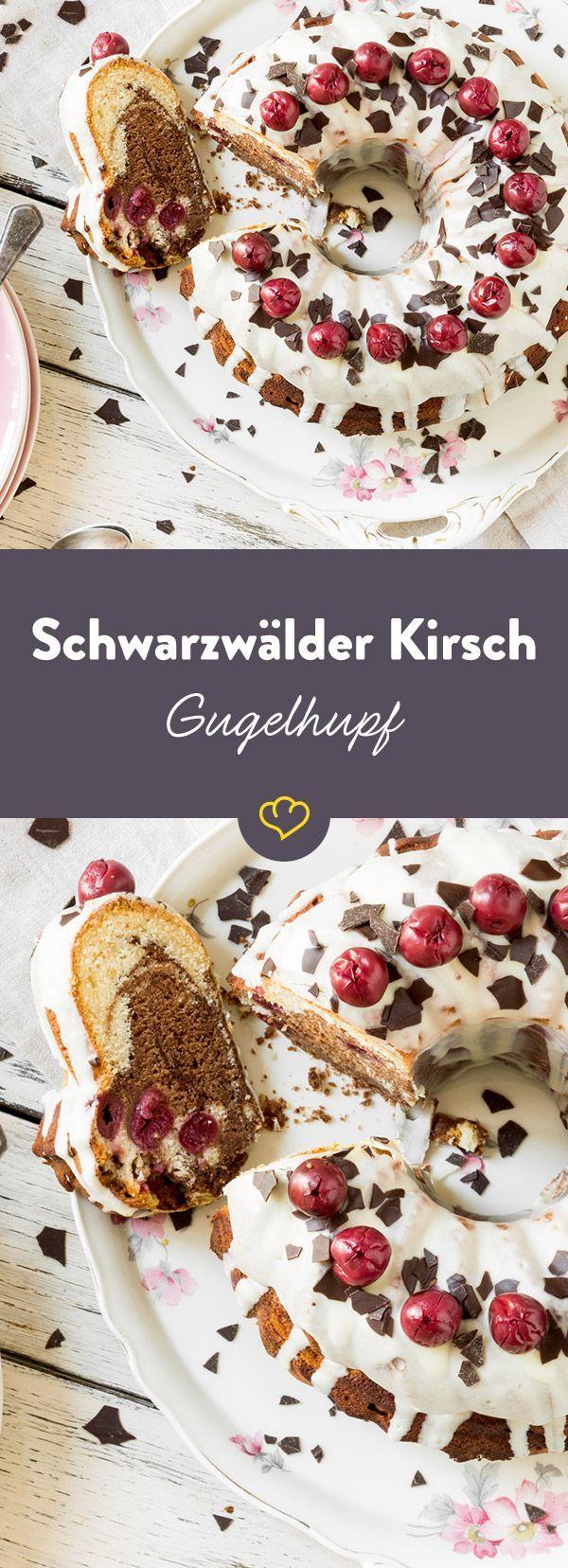 Leckerer Marmorkuchen verfeinert mit herber Schokolade - für den Schwarzwälder Touch sorgen saftige Kirschen und ein ordentlicher Schuss Kirschwasser.
