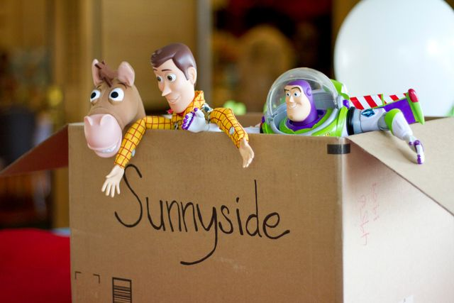 Sunnyside cardboard box - Toy Story theme decorations
