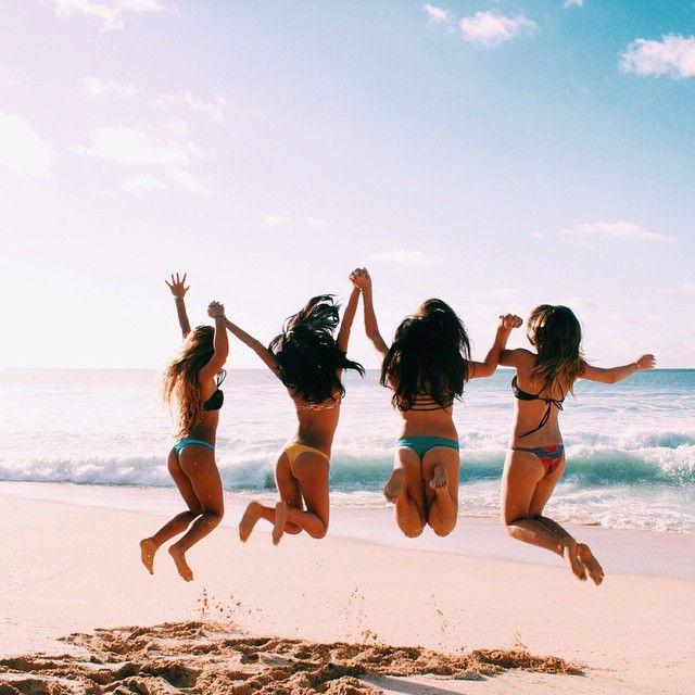 beach photoshoot with friends