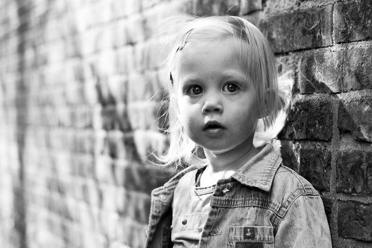 http://www.edwinvandegraaf.nl/large/www.edwinvandegraaf.nl_kinderen_meisje_fotografie_13.jpg