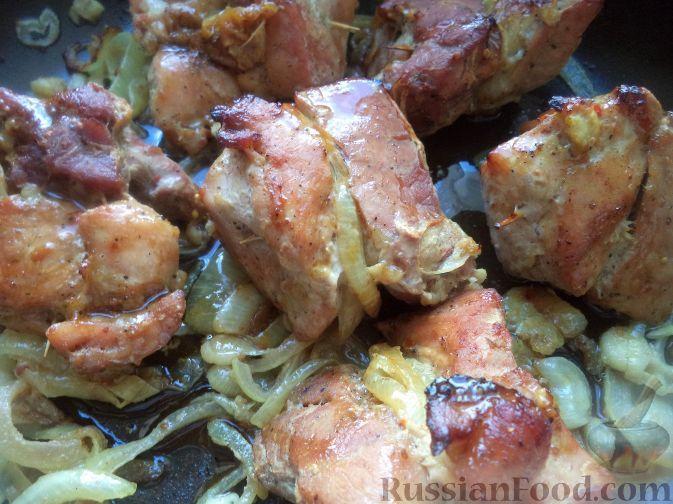 Фото приготовления рецепта: Шашлык свиной в духовке - шаг №11