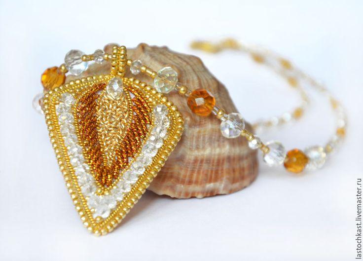 Купить Кулон Золотой лист подвеска (колье вышивка бисером) - золотой, золотой кулон